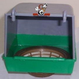 Caseta nido exterior de plástico.